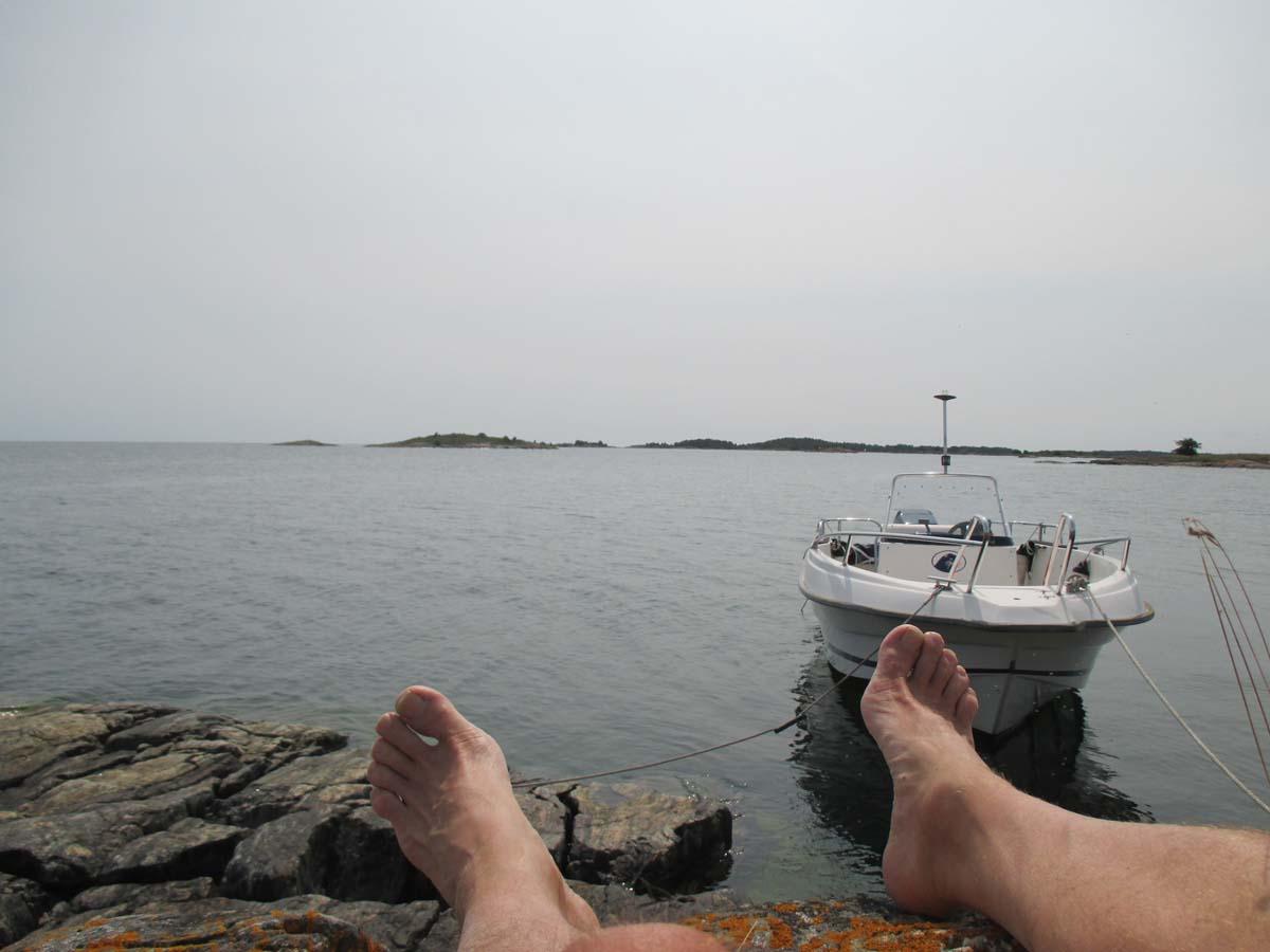 Sola och kolla båten