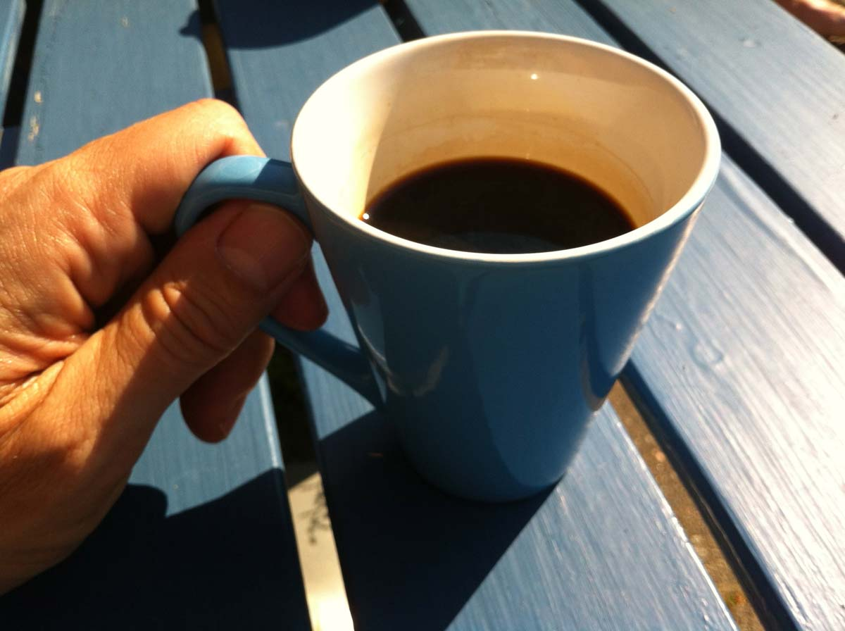Kaffe håller modet uppe