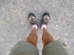 Nu är det sommar. På med shortsen.