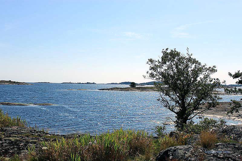 Skärgården runt Hålviken